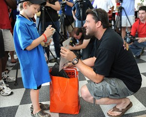 Tony Stewart to make appearance for 2010 Race for Riley...